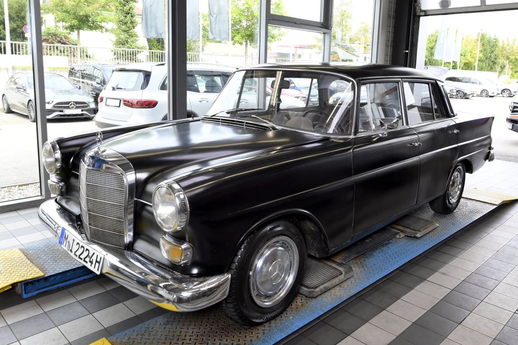 Mercedes_Auktion_Wuenschewagen.jpg