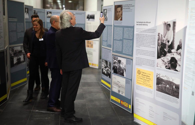 ASB-Buchpräsentation-und-Ausstellungseröffnung-6-ja.jpg